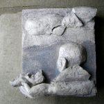 Abschied, Relief I 2013 I Terracotta   Stuckgips  bemalt I Höhe 25 cm