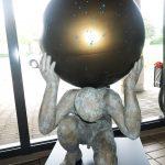 Atlas I 2015 I Bronze I Höhe 140 cm I Planetarium Wolfsburg
