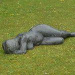 Liegende I 1985 I Bronze I Länge 120 cm