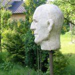Fred I 2005 I Beton pigmentiert I Höhe 40 cm