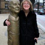Portraitsäule Franz-Zobel I 2006 I Bronze I Höhe 180 cm I Kirchplatz Salzgitter-Bad