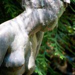 DETAIL: Judith I 1998 I Bronze I Höhe 120 cm Botanischer Garten Braunschweig