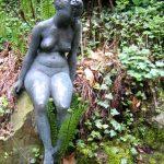 Judith I 1998 I Bronze I Höhe 120 cm Botanischer Garten Braunschweig